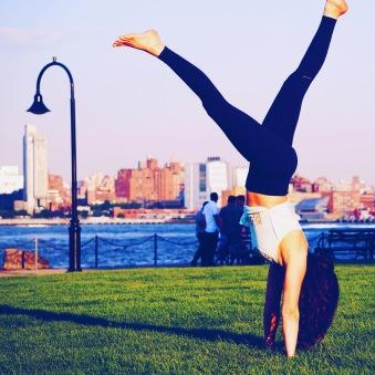 handstand-maxwell